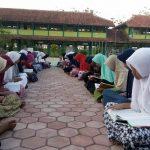 MTsN Ketanggungan Kumpulkan 2,5 Ton Beras untuk Zakat