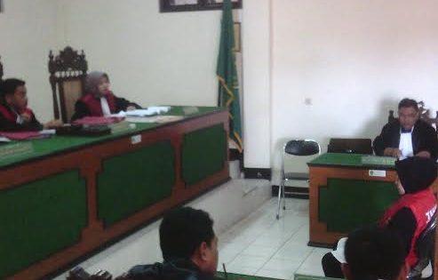 Edarkan Upal, Suryani Warga Tegal Dituntut 10  Bulan Penjara