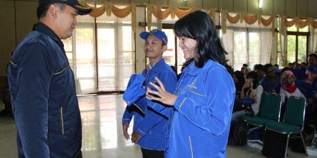 194  Mahasiswa  UPS  KKN  di  Tiga  Kecamatan