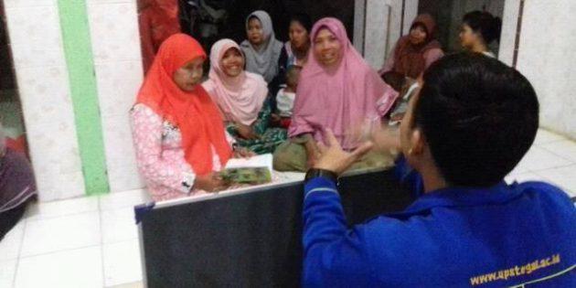 Melongok Asyiknya  Ibu-ibu Menimba Ilmu Baca Tulis di Desa Kertabesuki