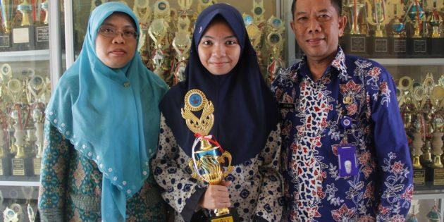 Auda, Siswi SMPN 2 Brebes dengan Segudang Prestasi