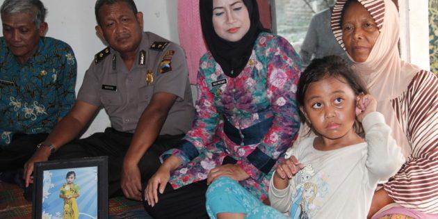 Idza Takziah ke Korban TKW Meninggal, Pemkab Janjikan Bantuan Rp 2 Juta