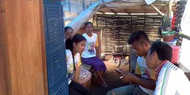 Miris, 7 Anggota Keluarga di Paguyangan Tinggal di Gubuk Plastik Berukuran 3X3