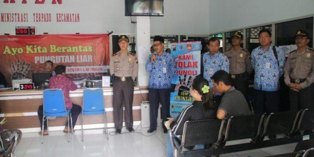 Sosialisasi Pencegahan, Tim Saber Pungli Sambangi  RSUD dan Kantor Kecamatan Brebes