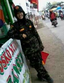 Fatayat Serbaguna, Nurul Qomariyah : Biar Badan Gosong Tak Mengapa, Demi Kelancaran Pemudik