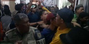Tuntut Kades Bangsri Mundur, Massa Lakukan Aksi Jelang Kedatangan Gubernur Ganjar