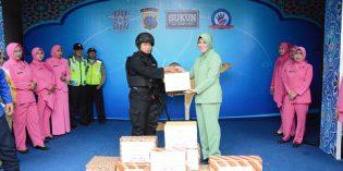 Persit dan Bhayangakari Brebes Beri Motivasi ke Penjaga Pos Mudik