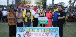 Bawang Wulung Keboledan FC Boyong Piala Persaba 3 Desa Rengasbandung