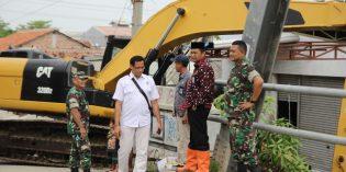 Pasca Banjir di Ketanggungan, Pemkab Siagakan Alat Berat dan Dapur Umum