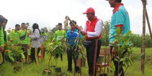 Sembari Lomba Gerak Jalan, NU dan Pemkab Tanam Pohon Bersama