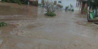 Tanggul Cisanggarung Jebol, Banjir Genangi Beberapa Desa di Losari