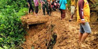 Longsor Tebing di Bantarkawung Putus Jalan Utama Desa Banjarsari – Cibentang